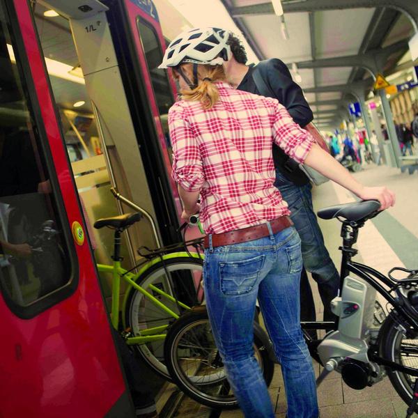 Fahrradmitnahme in der S-Bahn. Foto: Ministerium für Verkehr Baden-Württemberg, Ben van Skyhawk