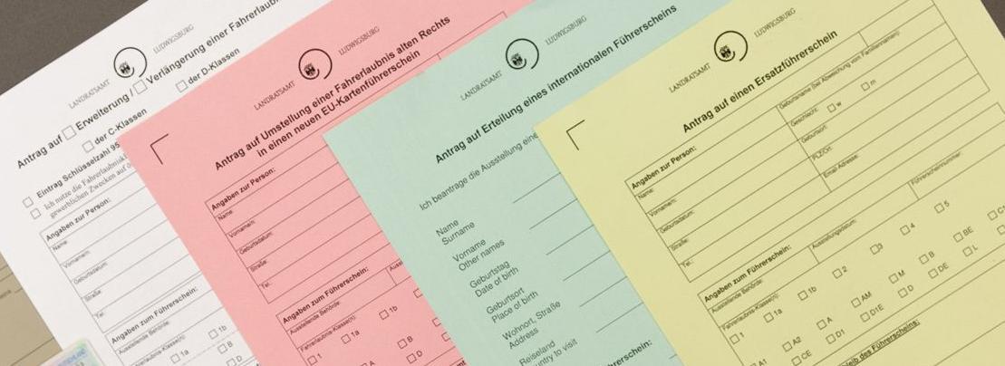 verschiedenfarbene Antragsformulare für Führerscheine 20190129_Homepage_KFZ_45_a_Druck.jpg