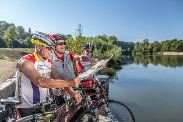 """[Translated to """"Englisch"""" by """"deepL""""] Cyclists in the district of Ludwigsburg / Photo: Jan Bürgermeister"""